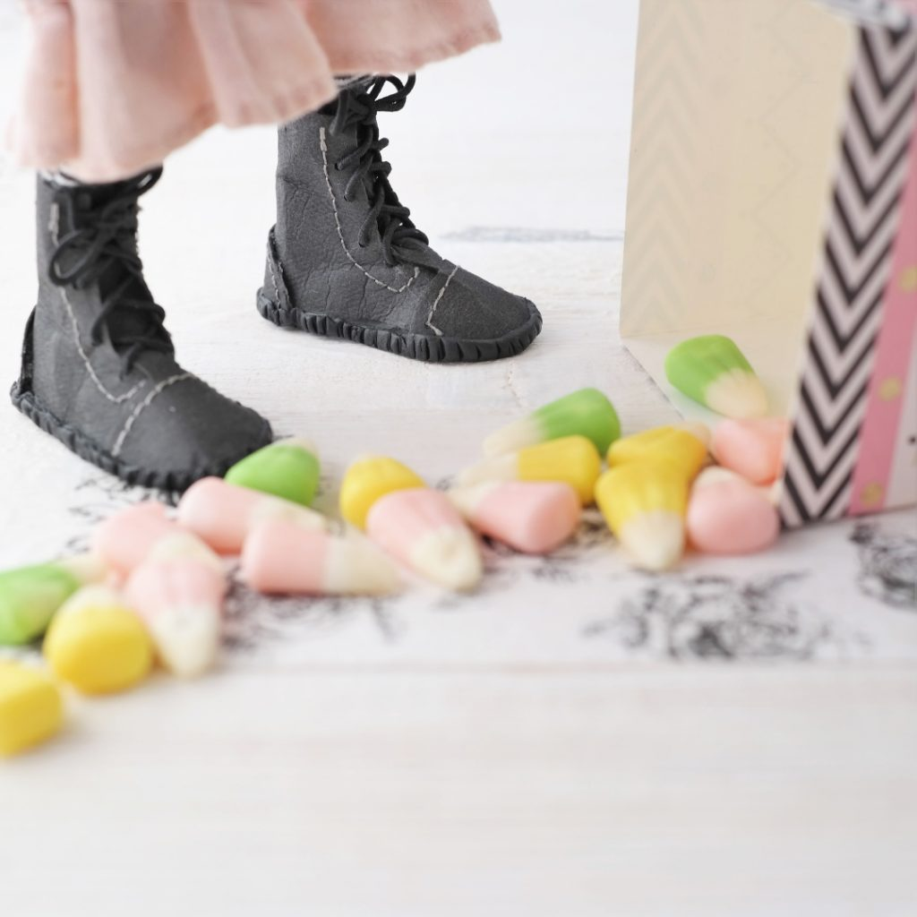 the pink witches boots were made from kraftex and apoxy clay